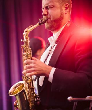 mulitoDJs-Saxophonist-Adrian1