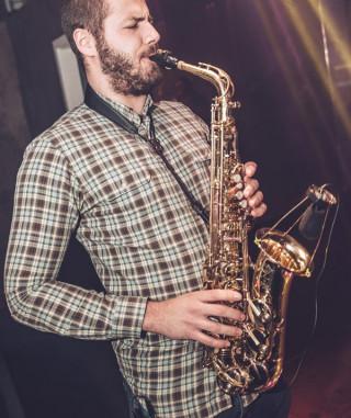 mulitoDJs-Saxophonist-Adrian